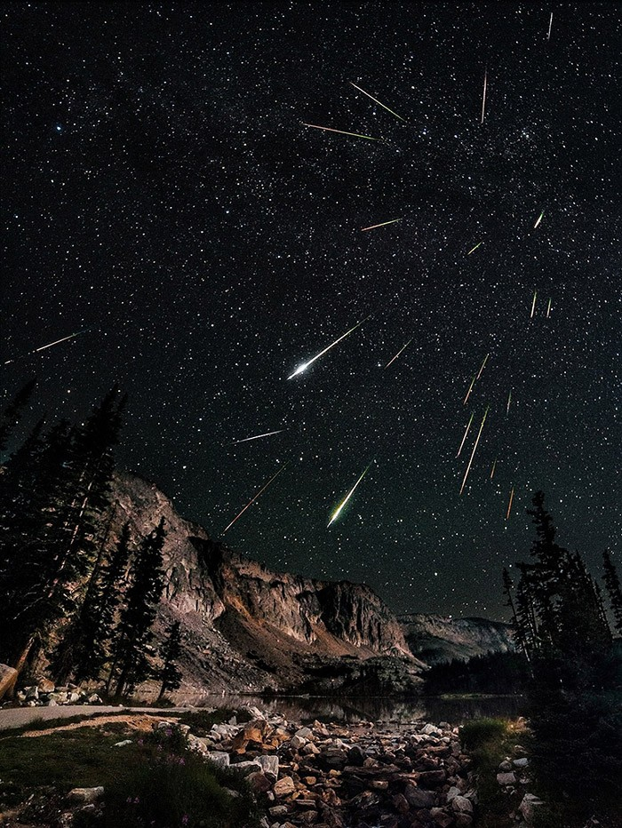 красивое фото звездопада романтика соседствуют