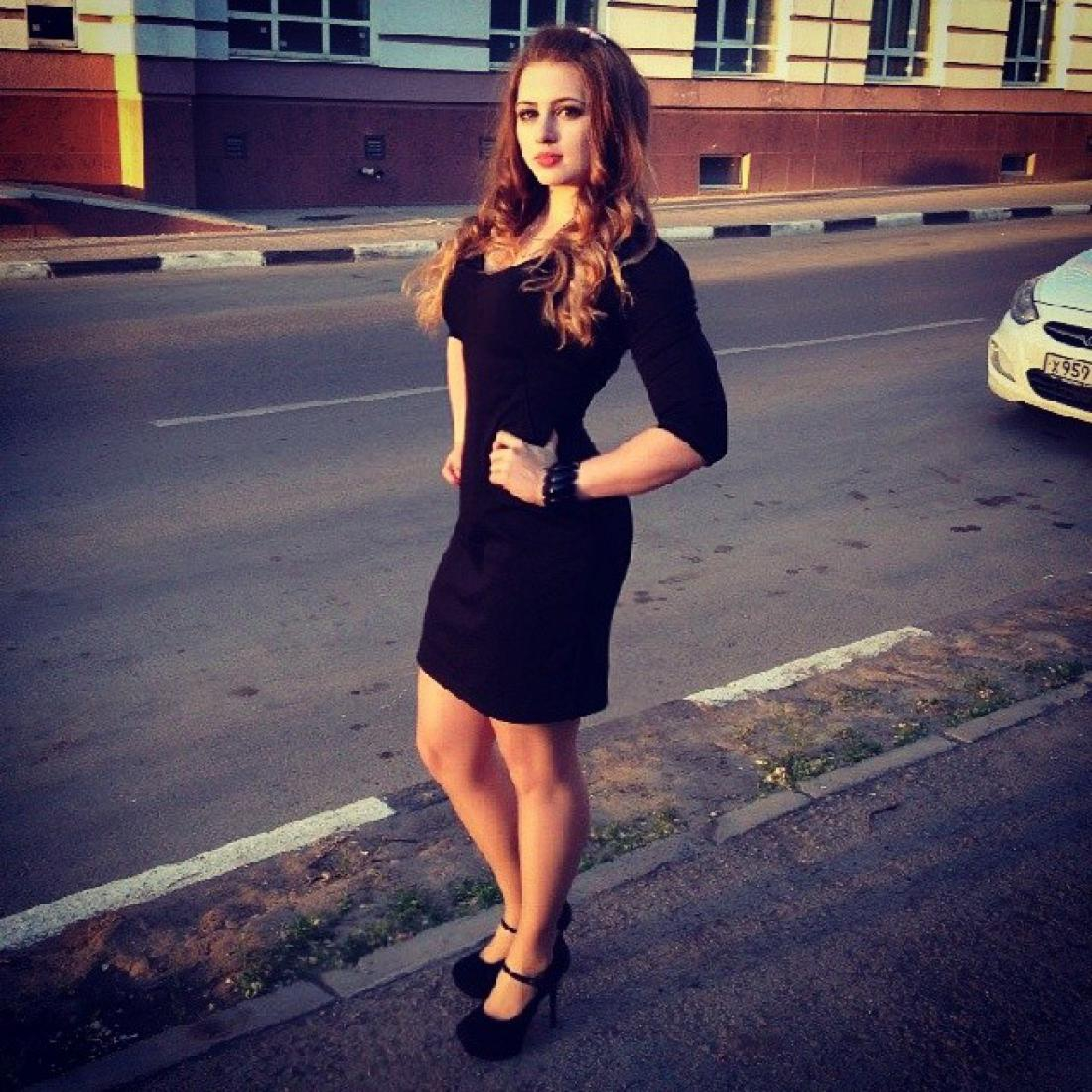 Юлия молодая без ливчик занимается сексом парнем