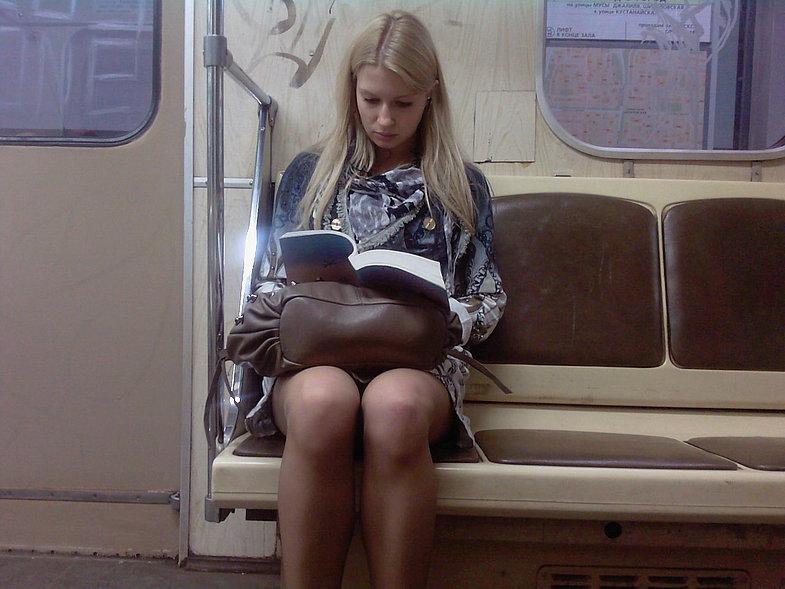pod-yubkoy-v-metro-i-transporte-foto-foto-sochnie-dami-porno