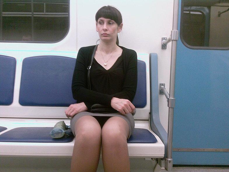 Видео подсматривания в метро, реальное русское домашнее любительское групповое порно