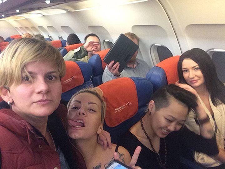 Лесбиянки самолет