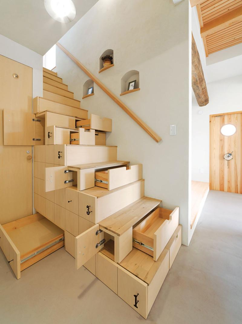 5. Компактная лестница — шкаф, в которой можно хранить множество нужных вещей. дизайн, дом, идея, креатив