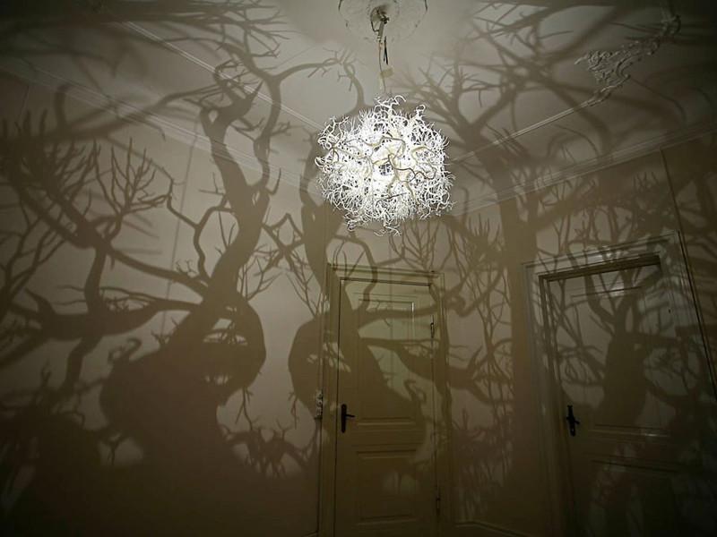 15. Люстра, делающая из комнаты сказочный лес дизайн, дом, идея, креатив