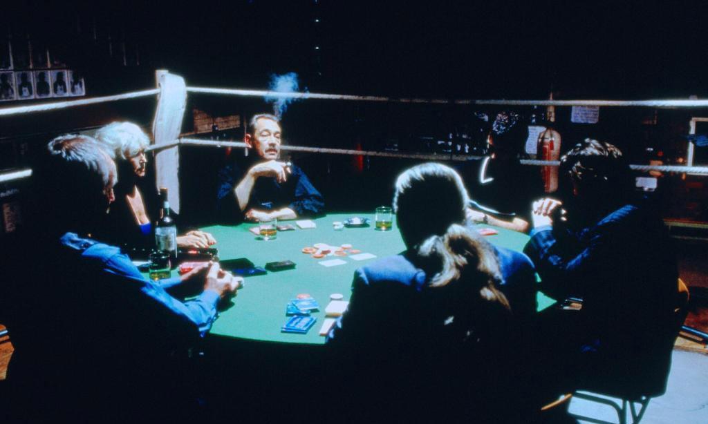 Во что играют в карты деньги два ствола рулетка в интернете казино