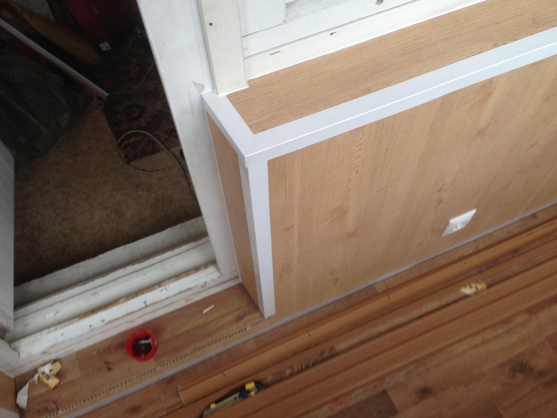 Отремонтировали балкон своими руками - будь в теме.