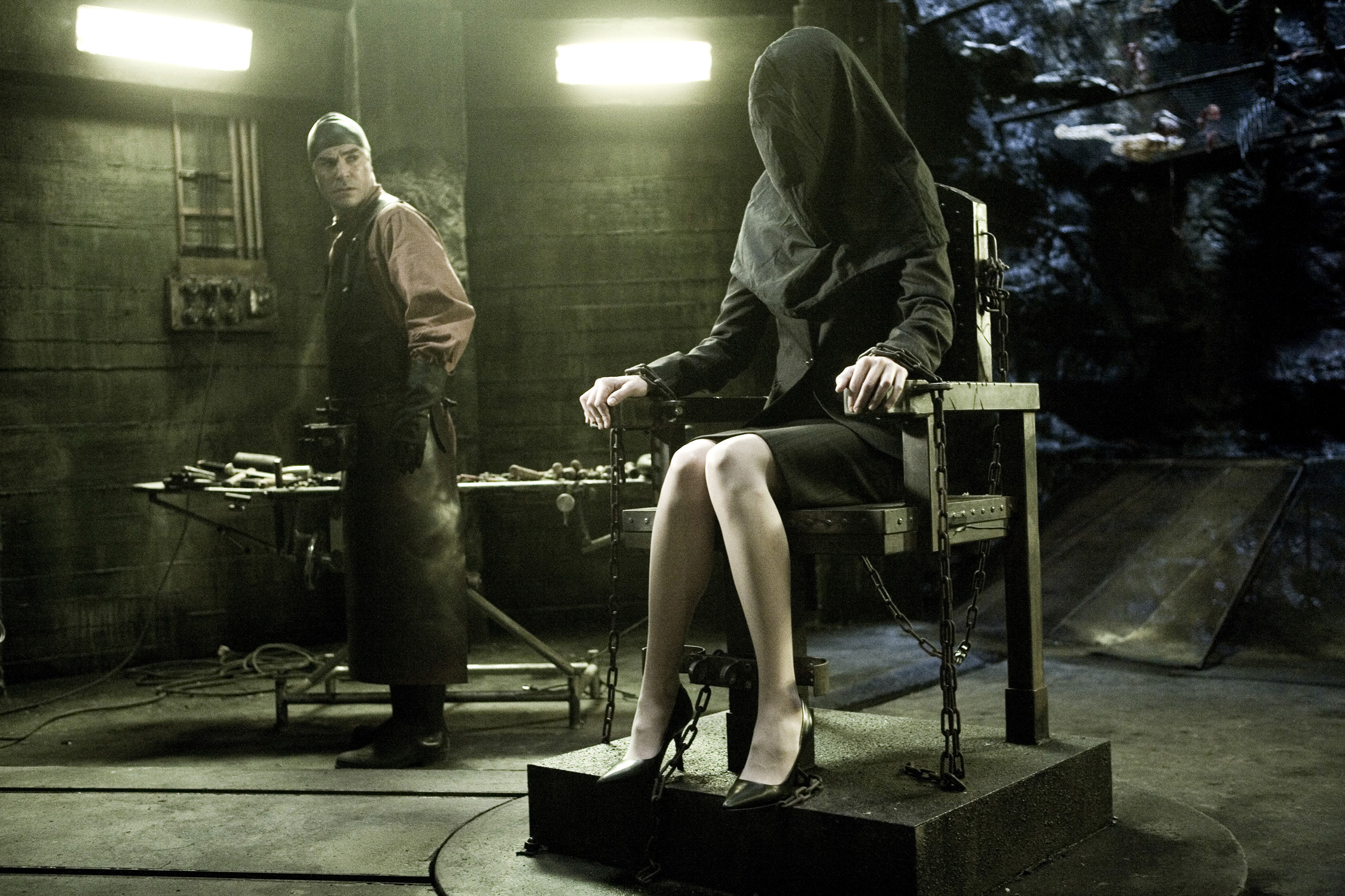 Девушки пытки кандалы