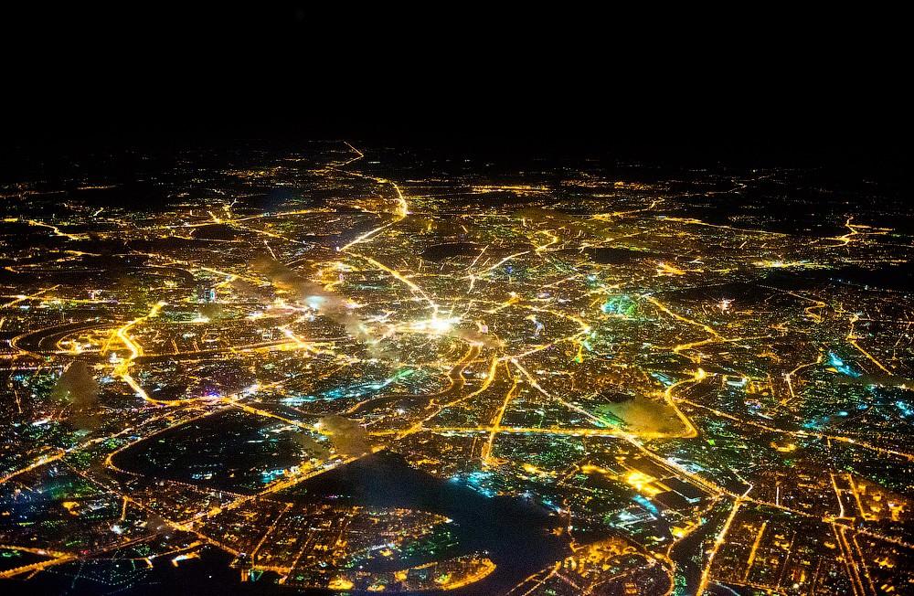 фотографии из окна самолета ночная москва показали, как