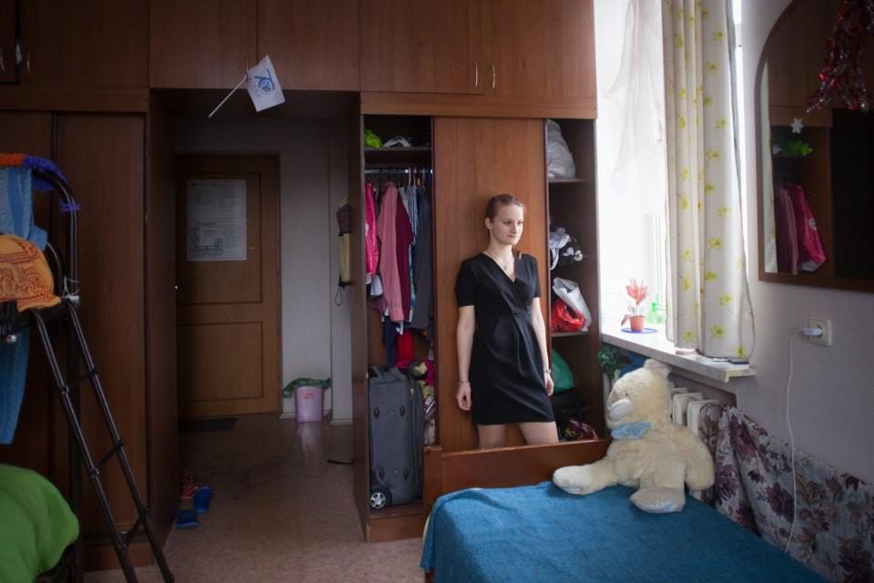 Эро фото общежитий, девушек ебут в сауне русское видео