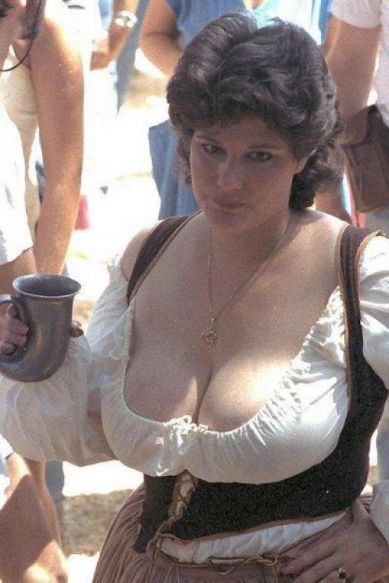 деревенская женщина с большой грудью - 6