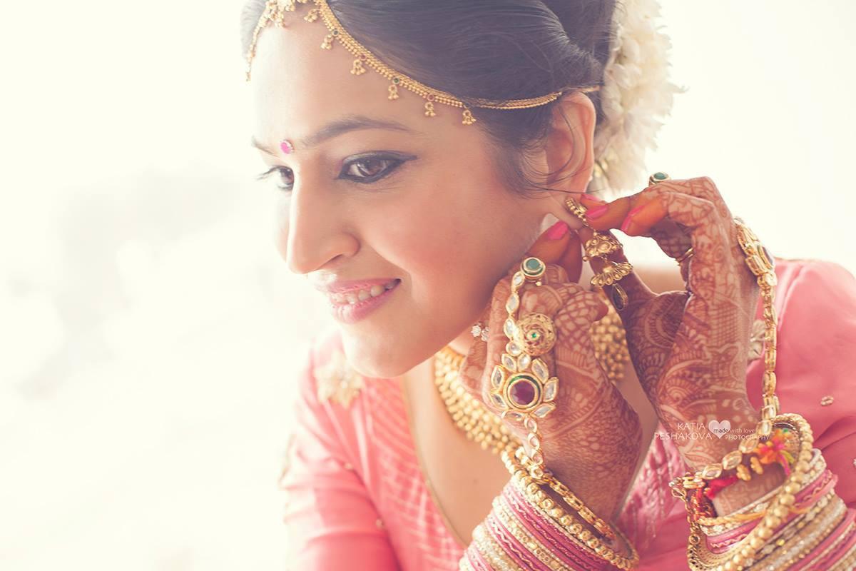 Первый секс неопытной индийской невесты онлайн
