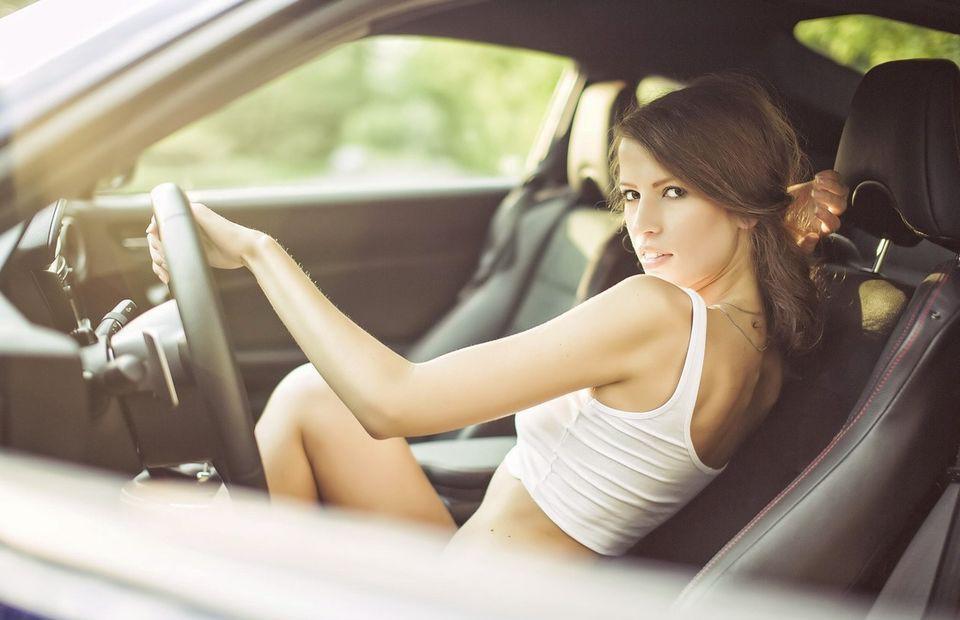 нет, фото красивых девчат на авто парень этот