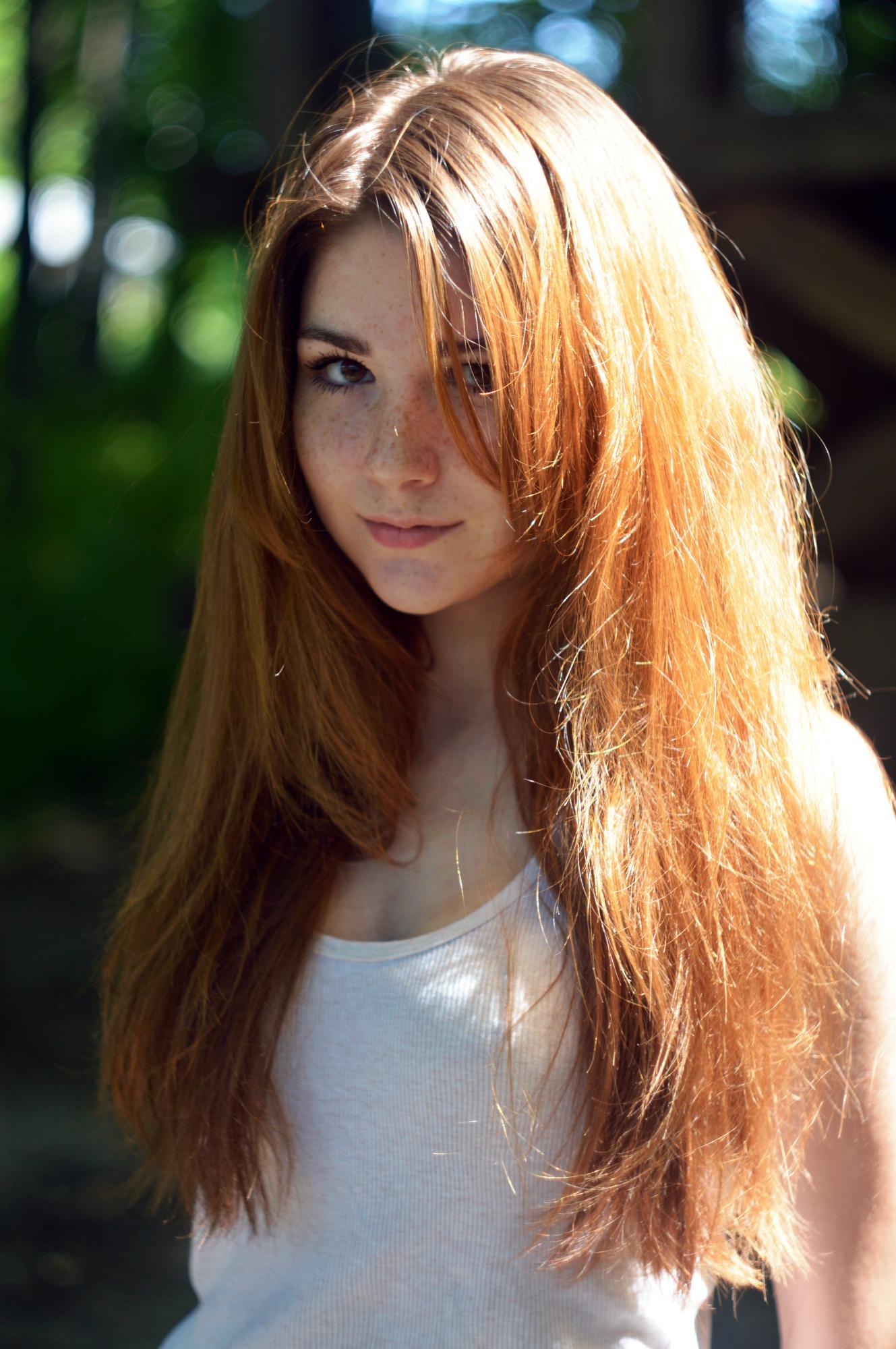 Mature brunette amateur blowjob