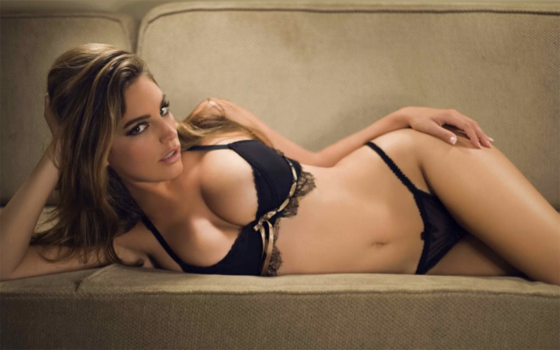 Фото самых сексуальных голых жен нужные