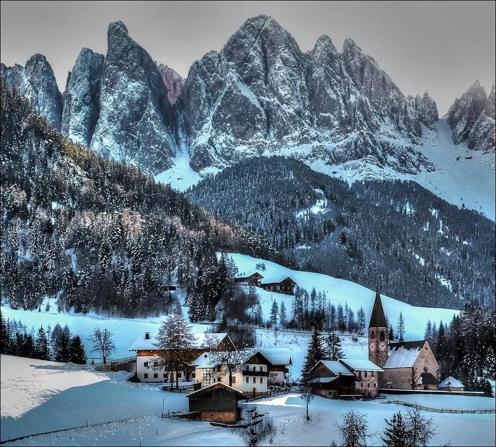 вам художественные фотографии заснеженных альп можете подобрать