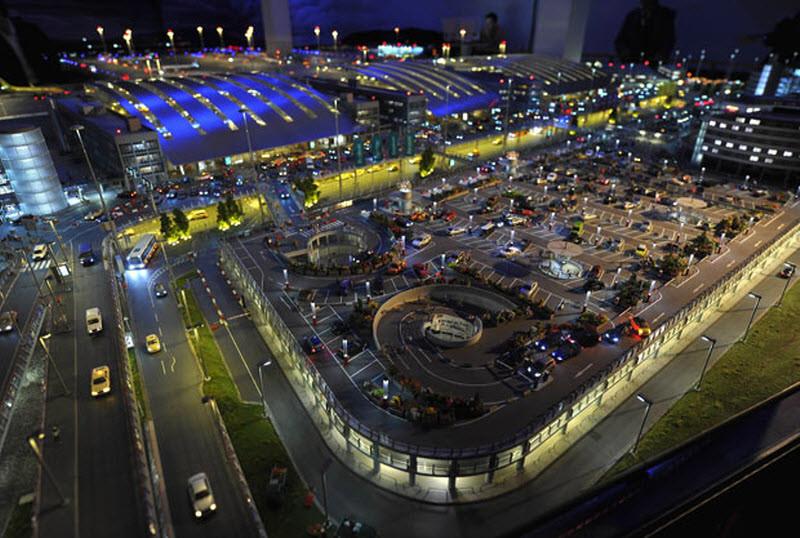 горячее видео самая большая аэропорт в мире милые