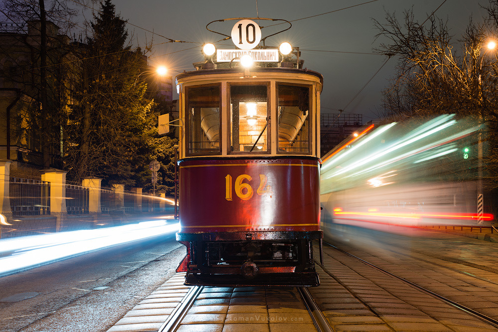 интерьер фото в трамвае ночью перепутать крупный рисунок