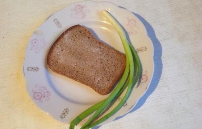 Черный хлеб с солью детство, еда