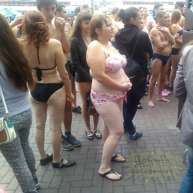 Порно видео на Улице смотрите онлайн на PornoZonatv