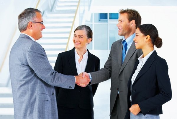 comparing business etiquette in france and greece Practicing proper greek business etiquette will aid business people hoping to expand into greek markets when you are ready to gain new partners 7  greece and its culture have been around for a long time  the tendency is to move slowly and carefully to allow time to develop the loyalty and.