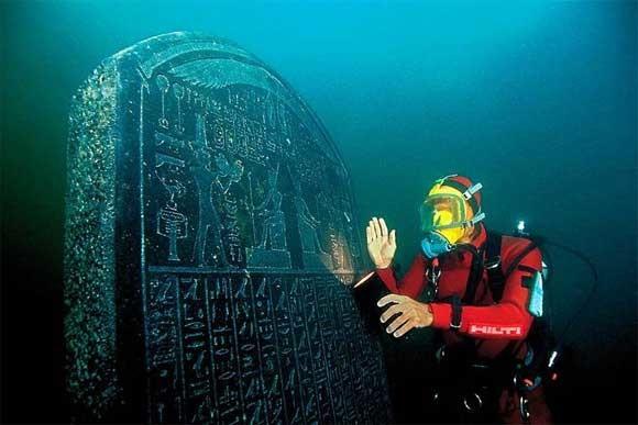 15. На дне океана больше исторических артефактов, чем во всех музеях планеты вместе взятых. морские обитатели, океан, ужасы
