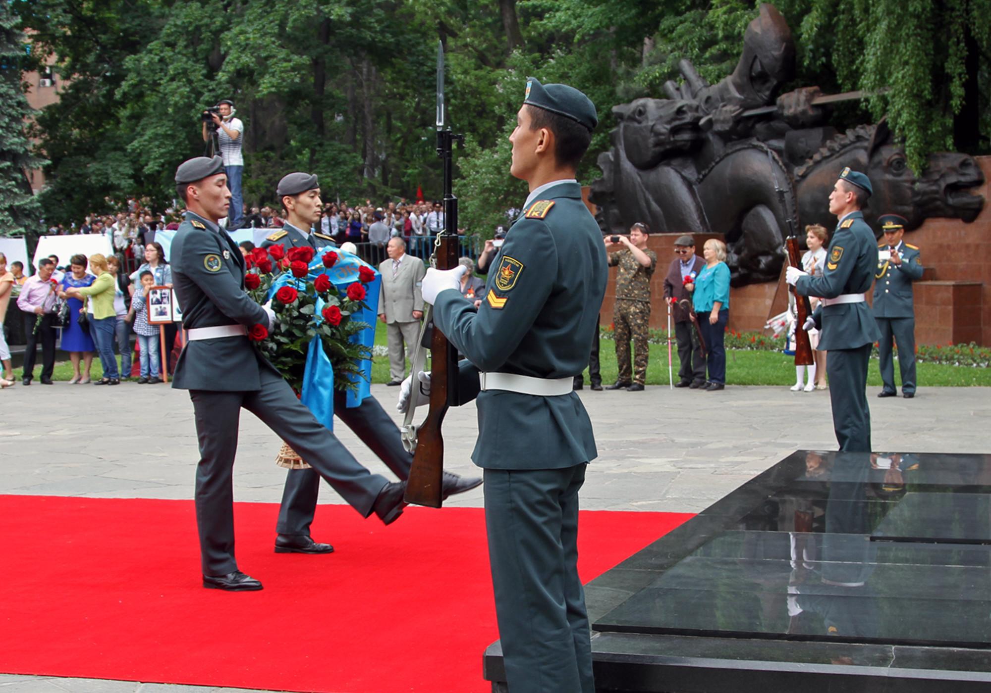 День победы казахстан фотографии