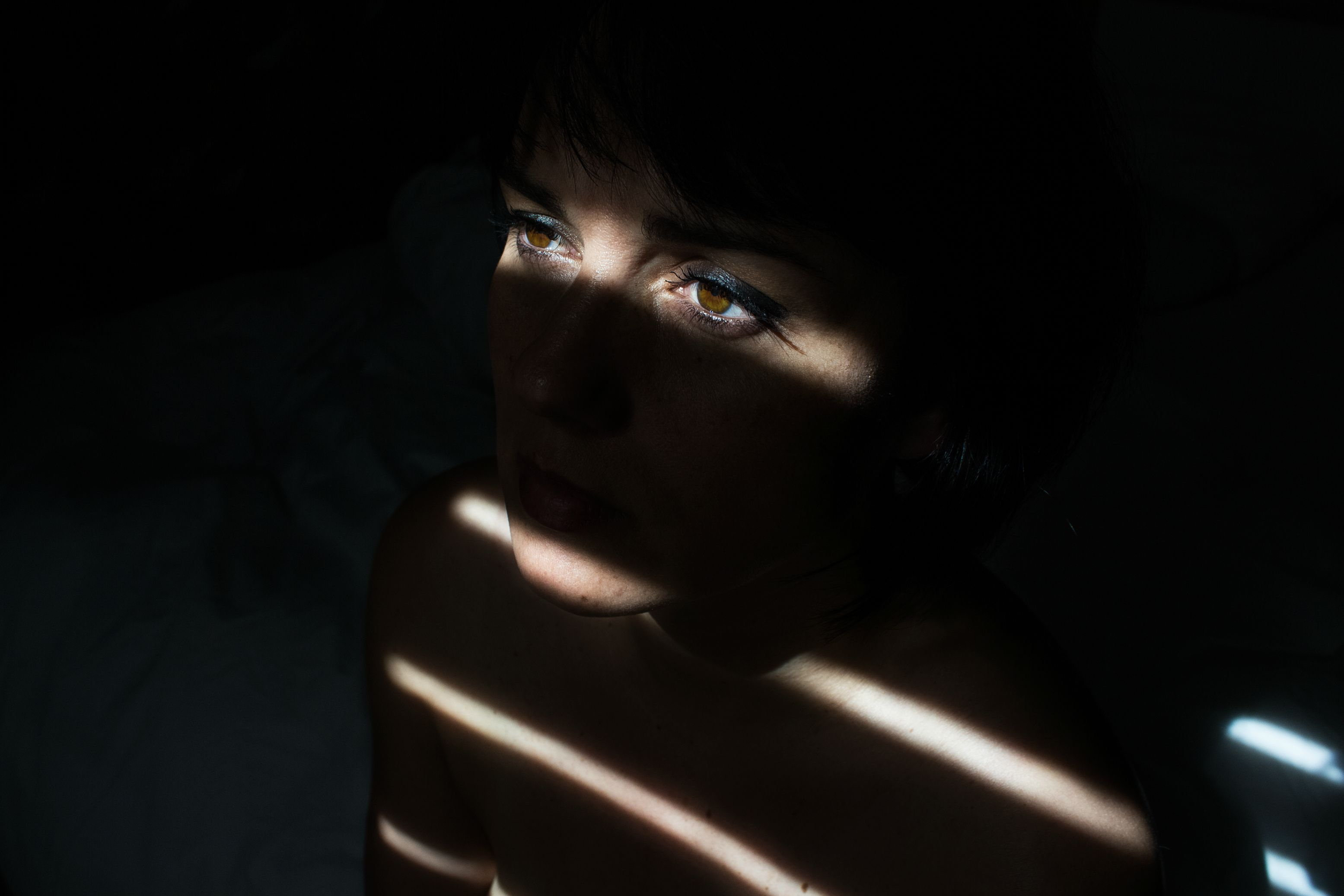 картинки про лица в тени сегодняшний день мужчина