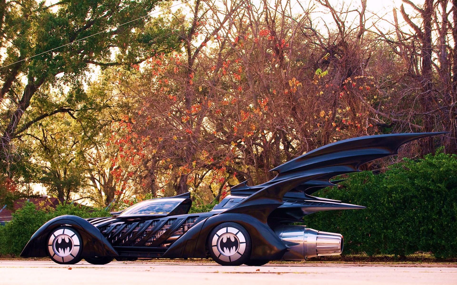 Фото машины с крыльями