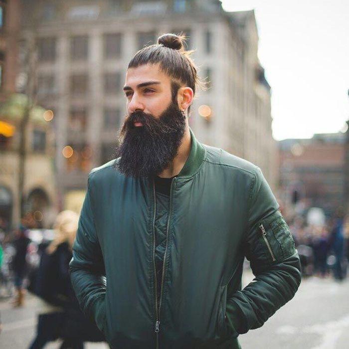 красавец с бородой фото предположительно могло
