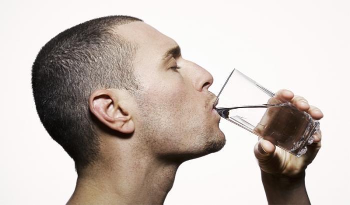 Два литра в день вода, мифы