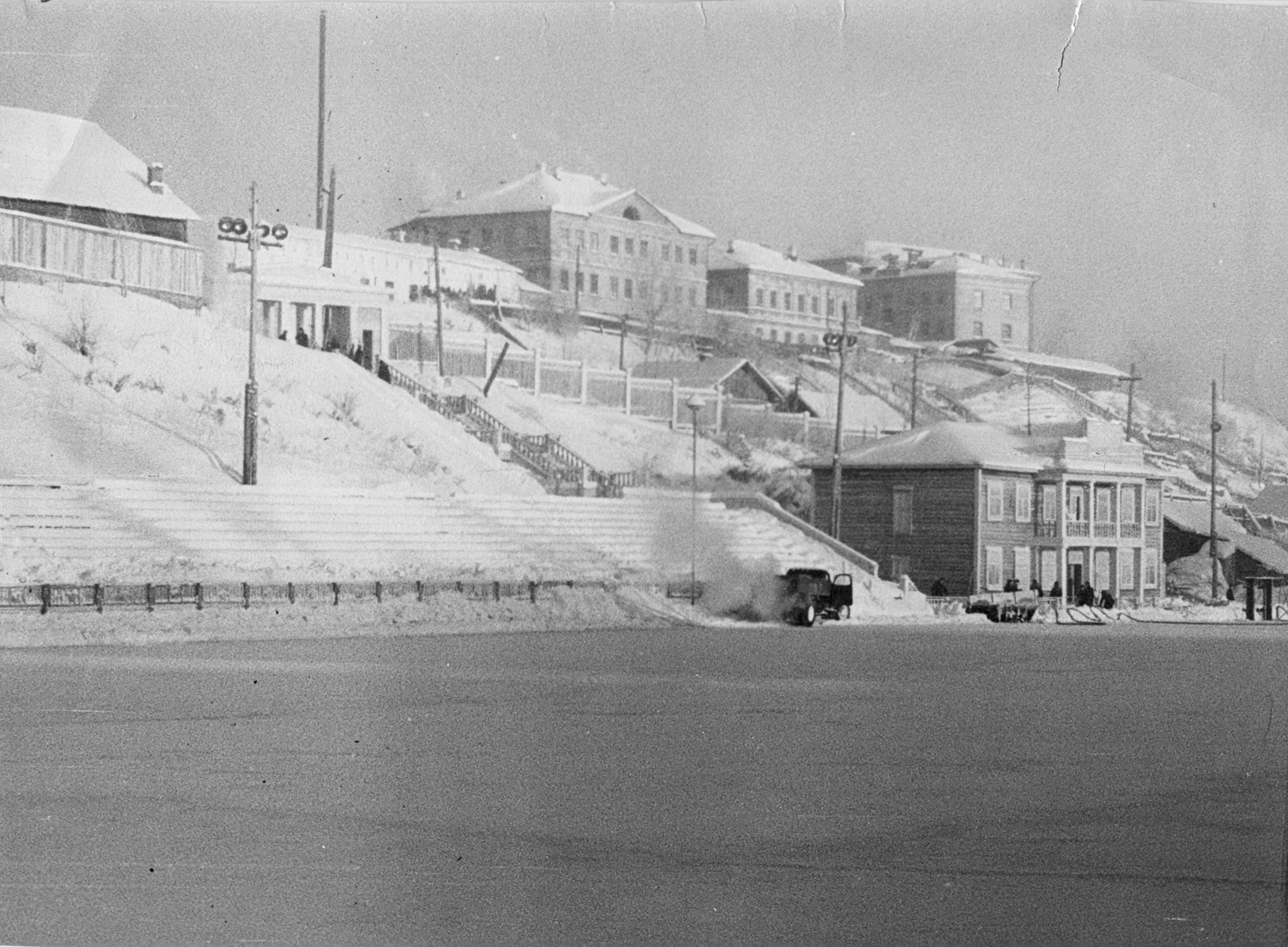 обтянут белой стадион трудовые резервы в гор кирове картинки корабля