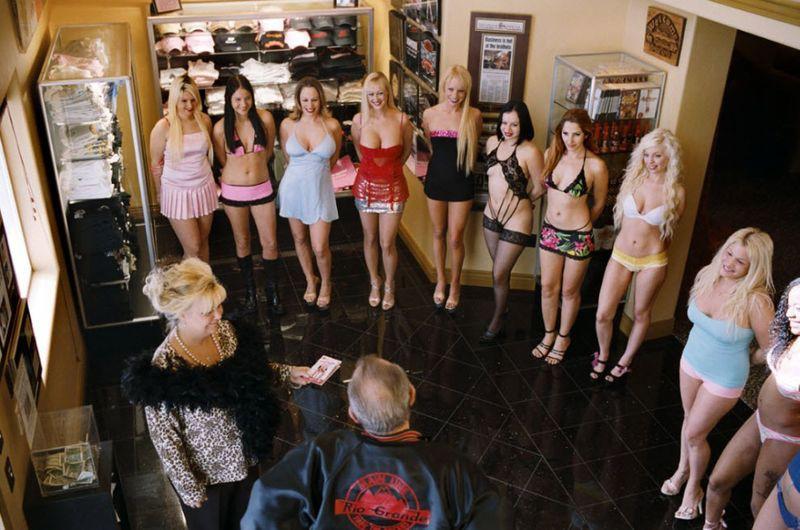 Проституция большая грудь ржач!!!!!!!гы