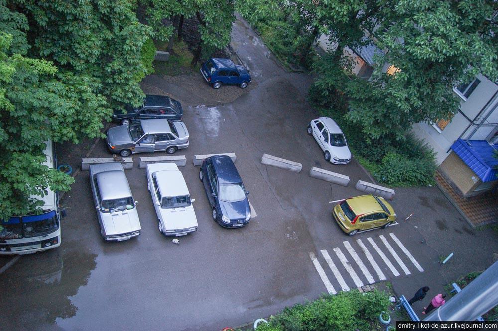 Крымчане перестали ставить автомобили на ночные парковки