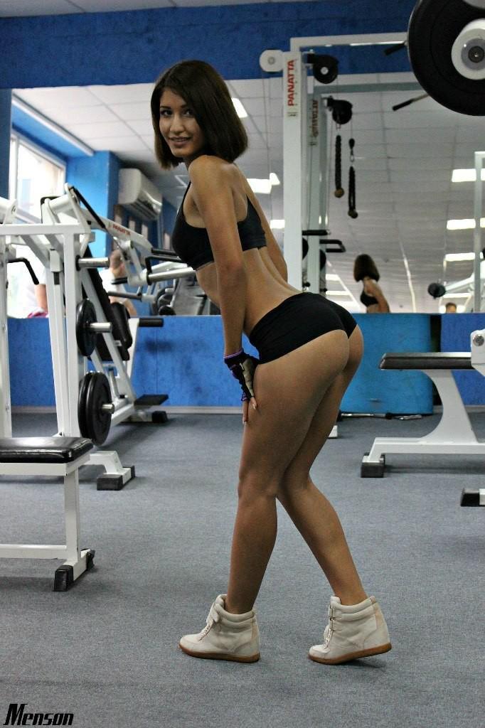 Частные фото девушек в спортзале