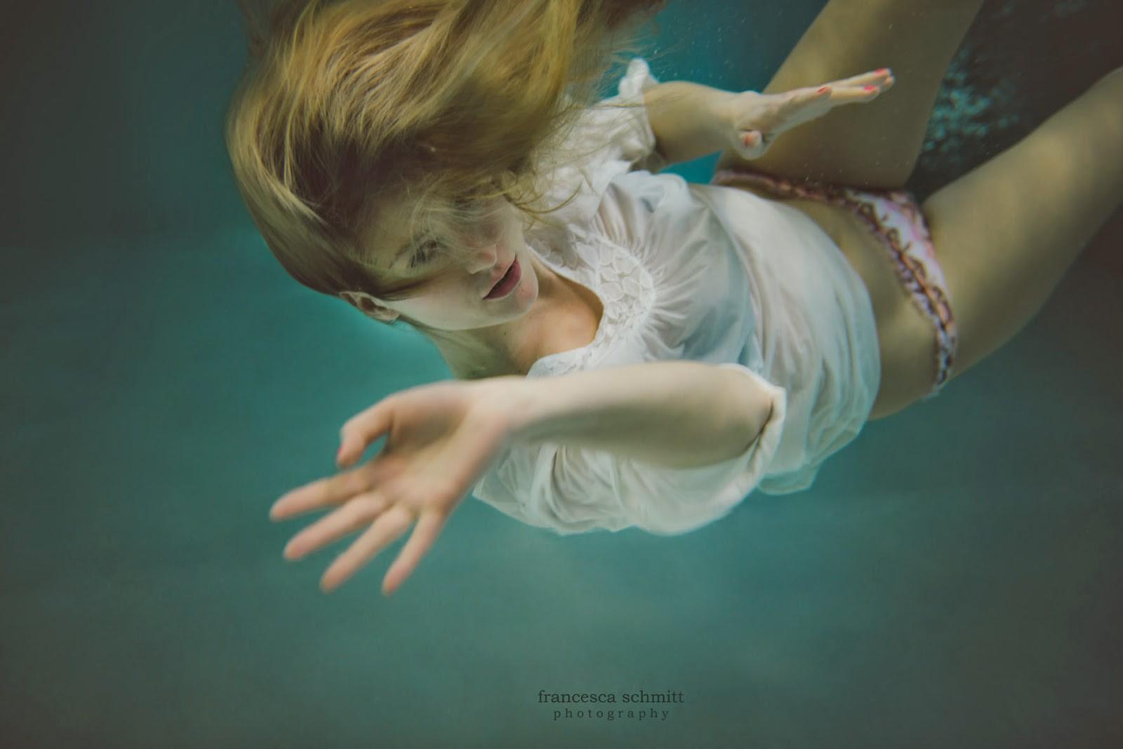magazine-foto-pro-zhenshin-pod-vodoy-klipi