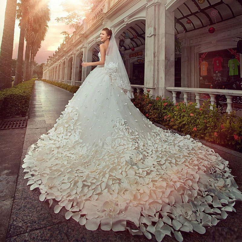 Самые дорогие свадебные платья картинки