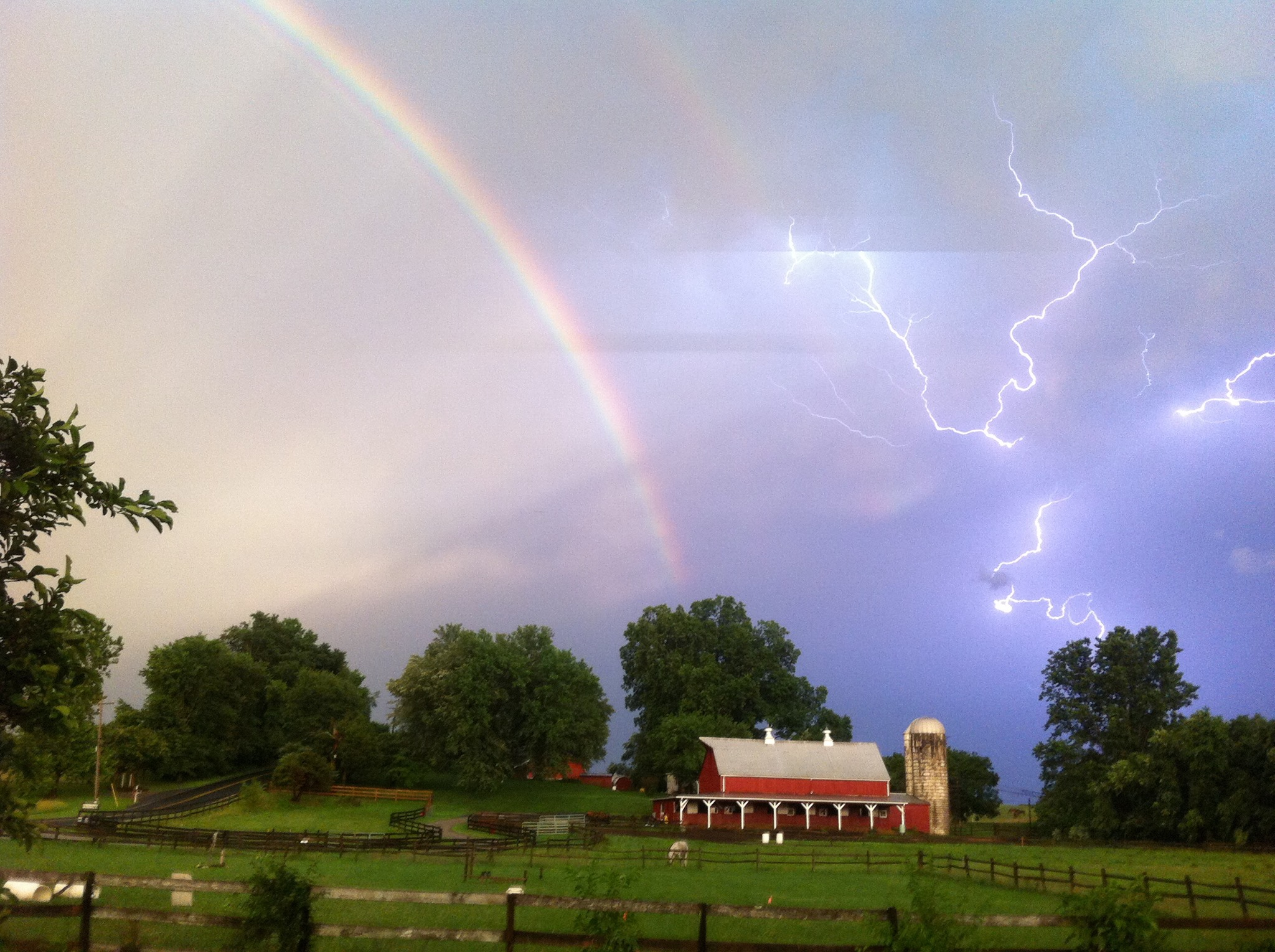 картинки радужные молния ещё модели запланированы