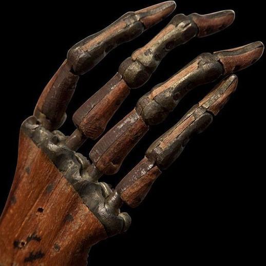 14. Протез кисти, приблизительно 1800 год медицина, ретро, фото