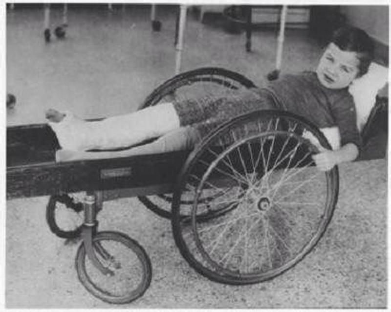 11. Инвалидная коляска, приблизительно 1915 год медицина, ретро, фото