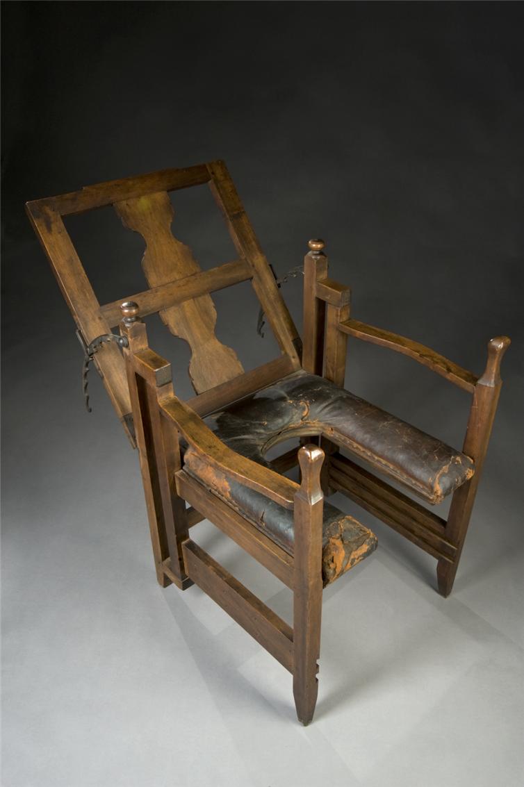 10. Европейское родовое кресло, приблизительно 1750 год медицина, ретро, фото