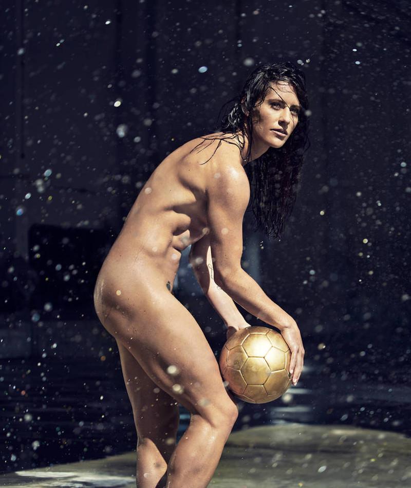 Али Кригер, Национальная женская футбольная лига США нагота, спорт, фото