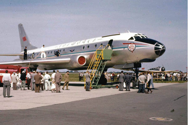 Ту-104-первый советский реактивный пассажирский самолёт СССР, авиация, история