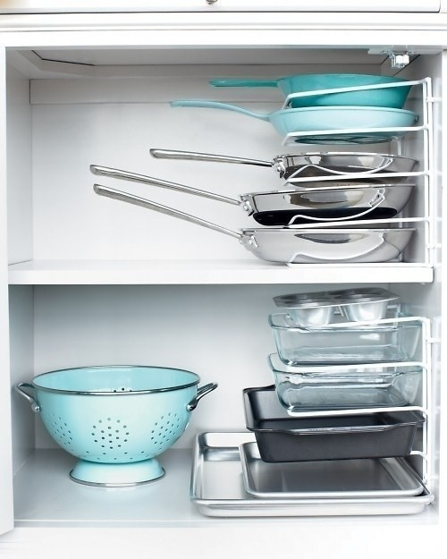 21. Найти нужную сковородку будет проще с такими держателями кухня, обустройство
