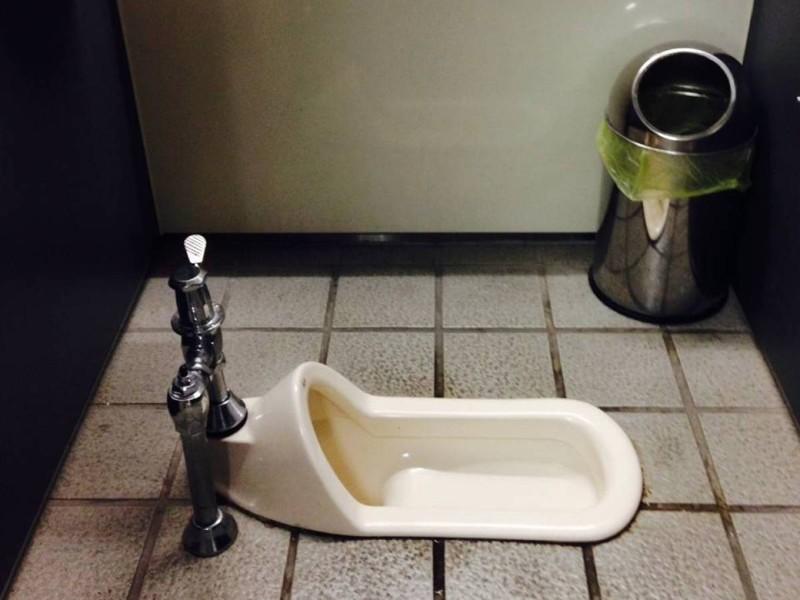 Ходят ли девушки в туалет перед сексом