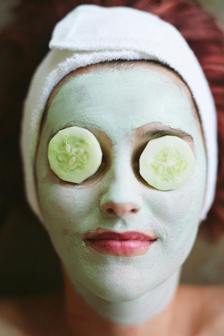 easy-homemade-facial-mask-half-black-asian-girls
