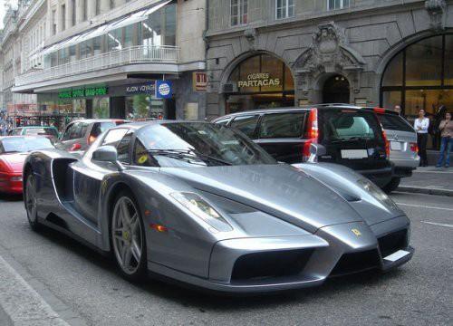 На каких автомобилях ездят известные футболисты? авто, футболисты