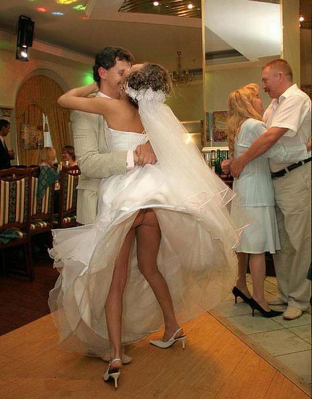 мужиков свадьбе на легла под всех невеста