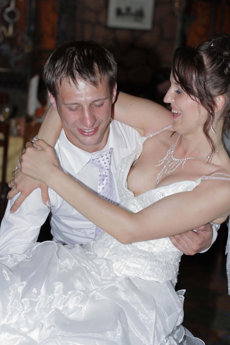 сиськи, блондинки, случайные ню фото на свадьбах актеров как