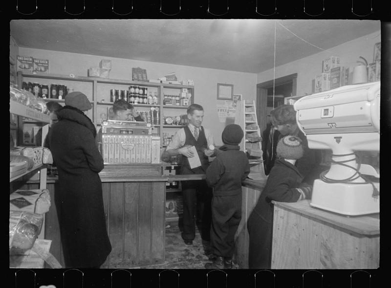 5. Кооперативный магазин. Вестморелэнд Каунти, штат Пенсильвания. Февраль 1936 года. америка, великая депрессия, кризис