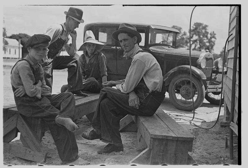 18. Перекур. Фермерский городок, Джорджия. Май 1938 года. америка, великая депрессия, кризис