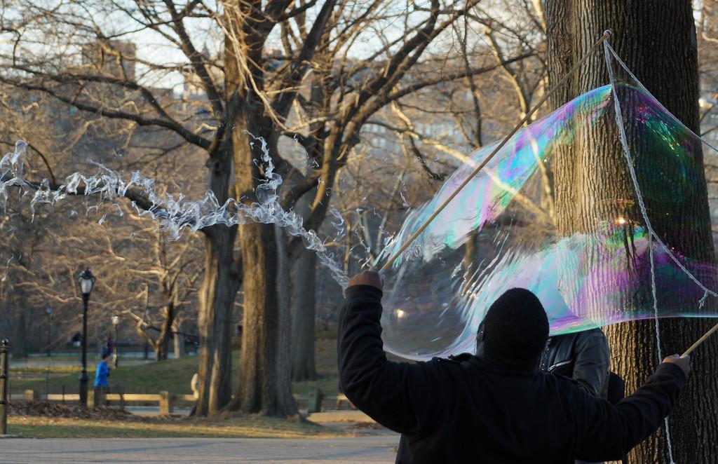 Взрыв пузыря кадр, мгновенье, фото